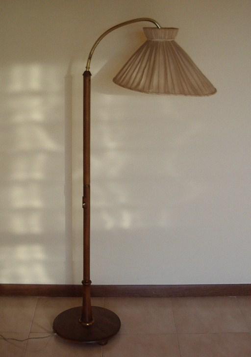 Lampada a piantana in faggio e ottone primi 900 - Collezione OnLine