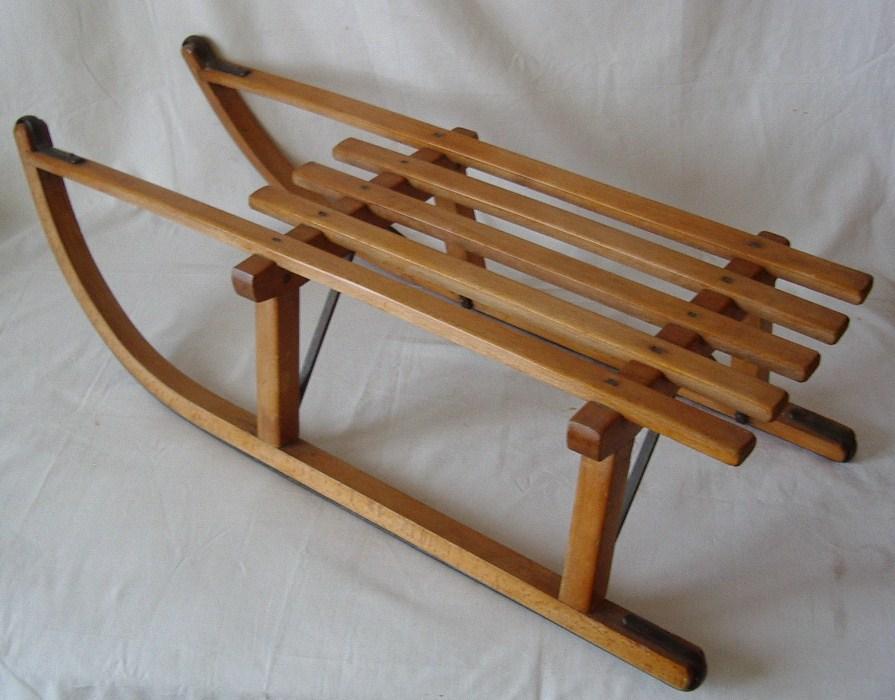 Vecchio slittino in legno met 900 collezione online for Costruire uno scuro in legno