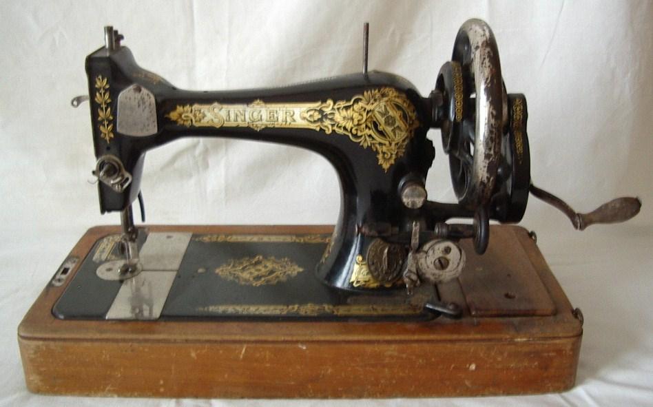 Singer manufacturing macchina da cucire da tavolo collezione online - Tavolo con macchina da cucire ...